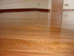 piso laminado ospefloor com brilho ,imitando madeira